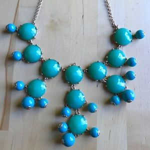 Jewelry - Bold necklace, in good condition